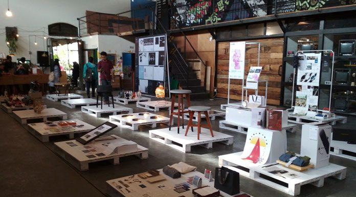 Dalam pameran ini ditampilkan hasil kerja desain interior, desain produk, dan desain visual dari sejumlah peserta yang terbagi dalam dua ruangan di dua gedung berbeda
