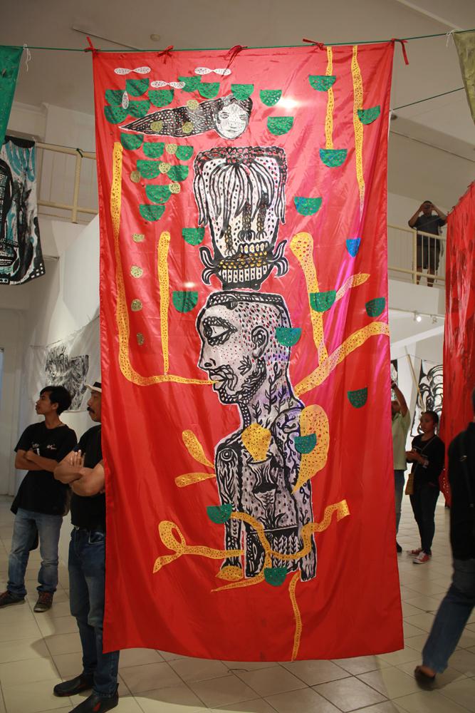 Salah satu karya Samue Indratma yang digantung di langit-langit Jogja Galeri pada pagelaran pameran tunggalnya, Maju Jaya (Doc. Riski Januar)